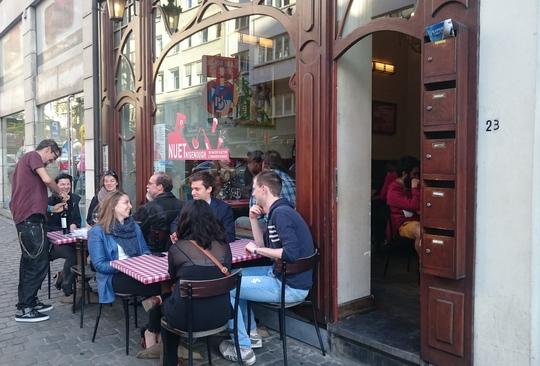 ブリュッセル 人気レストラン nuetnigenough