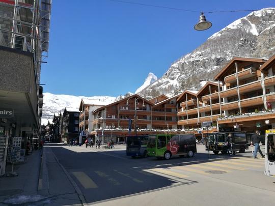 Zermatt駅前