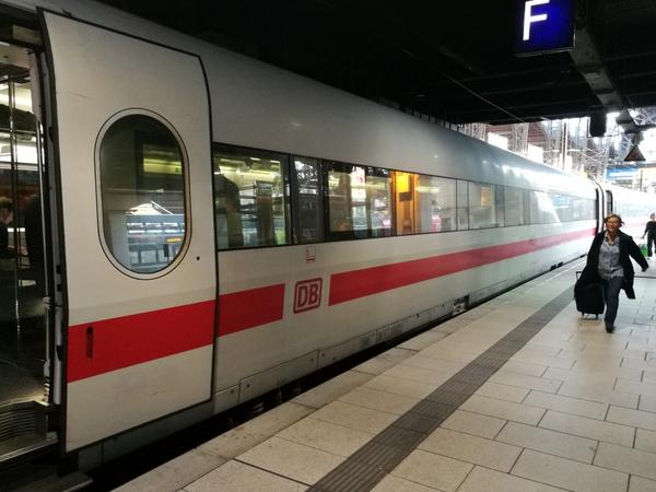 ハンブルク Hamburg ベルリン berlin ICE