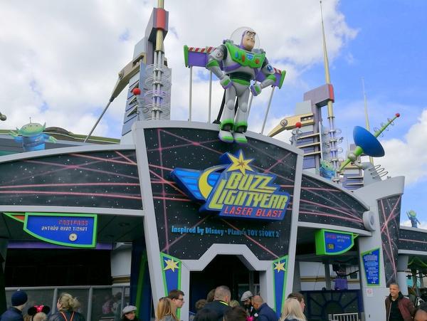 バズライトイヤーのレーザーブラスト(Buzz Lightyear Lazer Blast)