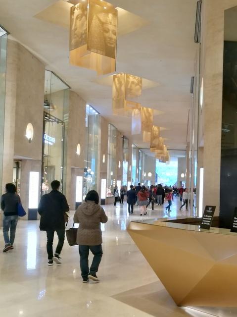 パリ ミュージアムパス ルーブル美術館 購入