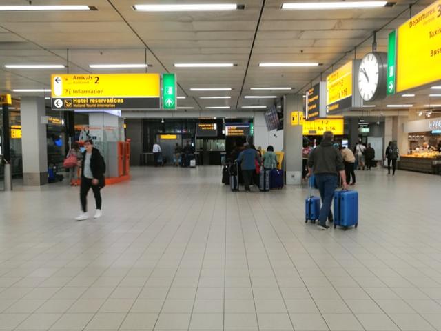 スキポール空港 アムステルダム コインロッカー 荷物預かり所