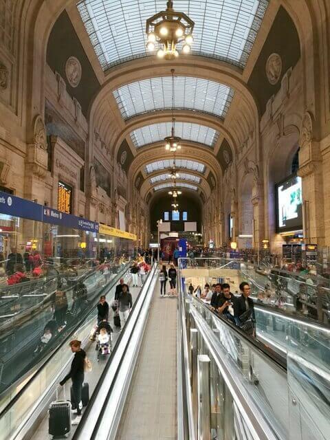 ミラノ ヴェネツィア 鉄道 イタロ フレッチャロッサ