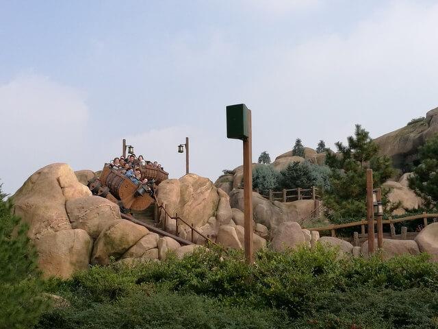 上海ディズニーランド 七人のこびとのマイントレイン